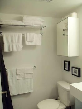 Boutique Harbourfront Condos - Bathroom  - #0