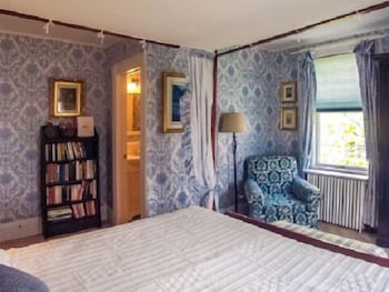 Harbor Knoll Bed and Breakfast - Guestroom  - #0