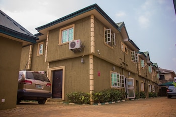 Billiard Hotel in Lagos (and vicinity)