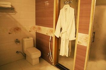 Hotel Marco Polo Lahore - Bathroom  - #0