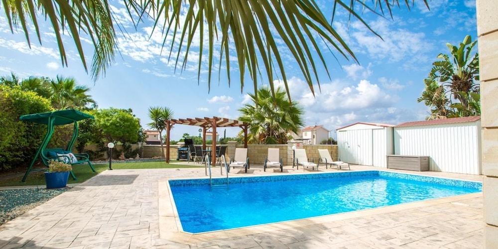 Oceanview Luxury Villa 207