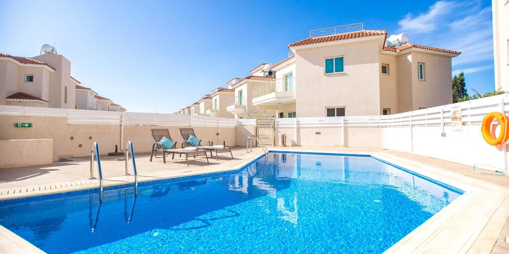 Oceanview Luxury Apartment 175