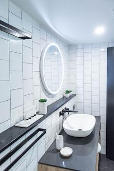 The Island Gold Coast - Bathroom Sink  - #0