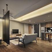 熱帶 8 號套房飯店