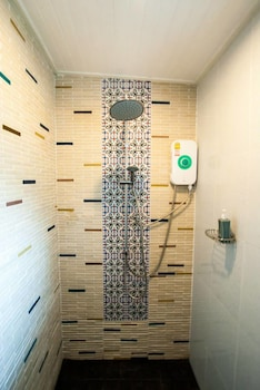 Aen Guy Boutique Hotel - Bathroom Shower  - #0
