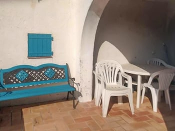 Photo for Three bedroom house 200m from beach 08286063 in Saint-Cyr-sur-Mer