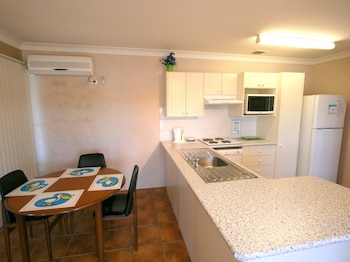 Lake Edge Holiday Units - In-Room Kitchen  - #0