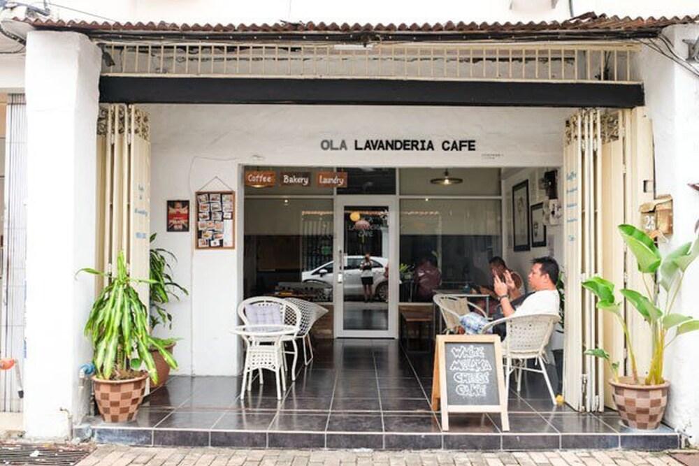 Ola Lavanderia Cafe - Hostel