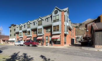 Spiral Stairs 4 3 Bedroom Condo By Accommodations in Telluride
