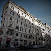 議事廣場 325 客房飯店