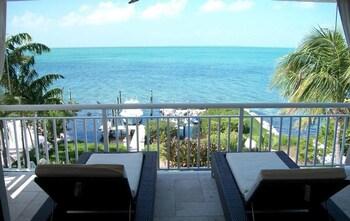 Luxury 4 Bedroom Waterfront