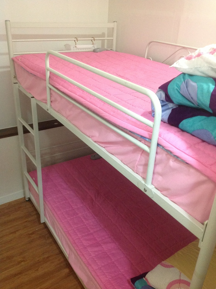 The Planet Guesthouse - Women Only - Hostel