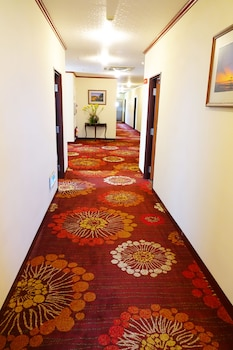 East Commercial Affairs Hotel - Hallway  - #0