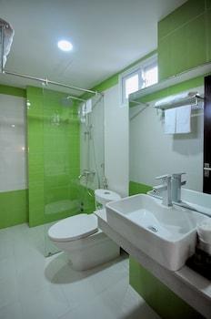 Yellow Sea Hotel - Bathroom  - #0