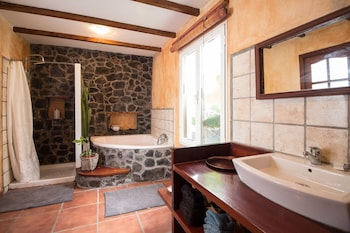 Peace and quiet in a rural environment - Bathroom  - #0