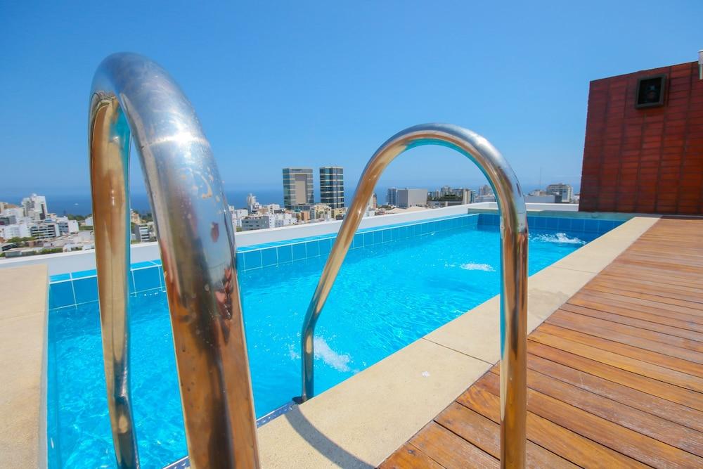 Oceanview Towers Miraflores Apartments