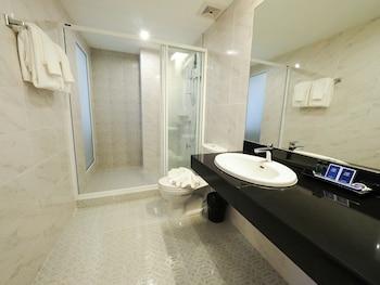 130 Hotel & Residence Bangkok - Bathroom  - #0