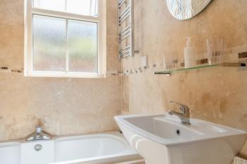 Apartment 32 - Bathroom  - #0