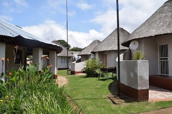 Sheris Lodge and Backpackers