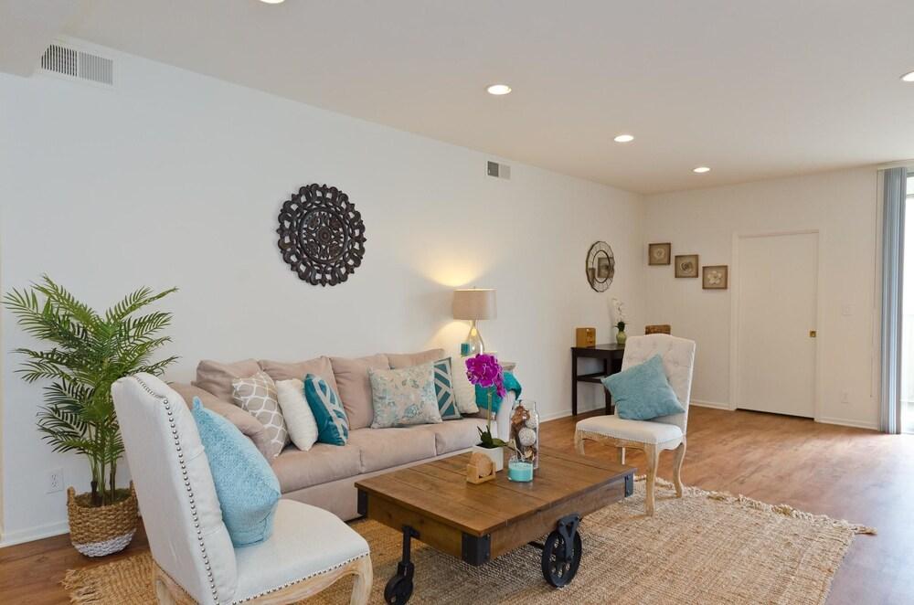 LA058 2 Bedroom Apartment By Senstay