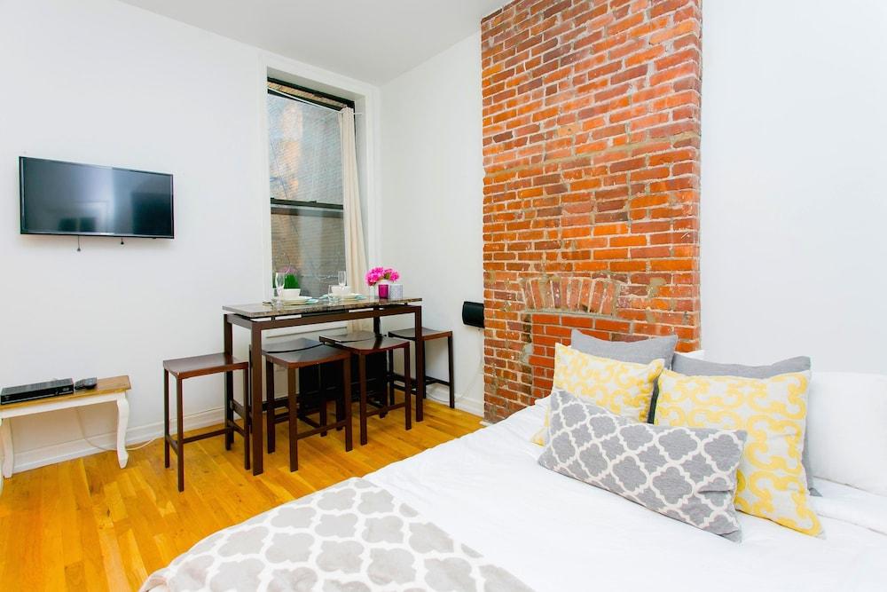NY010 2 Bedroom Apartment By Senstay