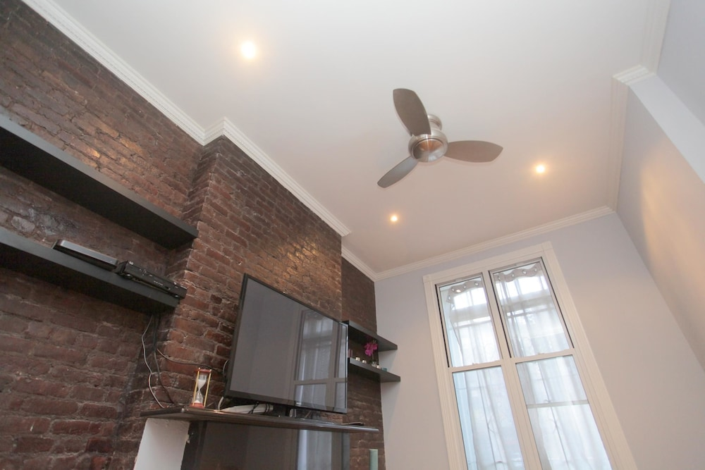 NY063 1 Bedroom Apartment By Senstay