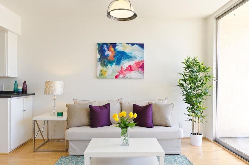 LA131 1 Bedroom Apartment By Senstay