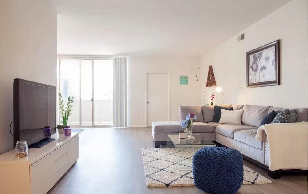 LA035 1 Bedroom Apartment By Senstay
