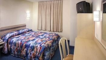 俄亥俄阿克倫 6 號開放式公寓飯店