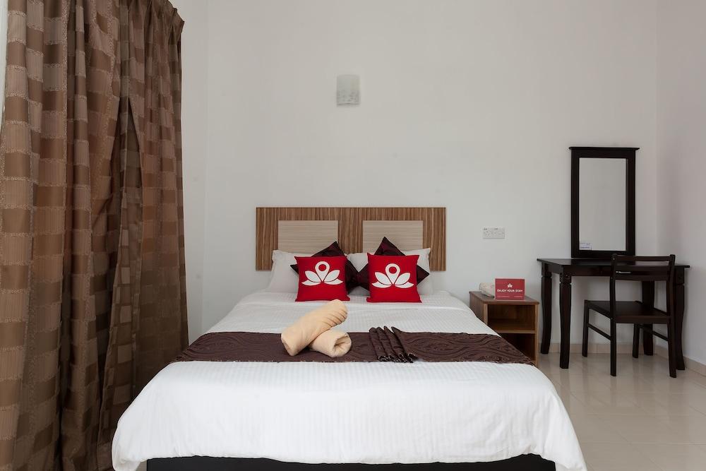 ZEN Rooms Pantai Tengah