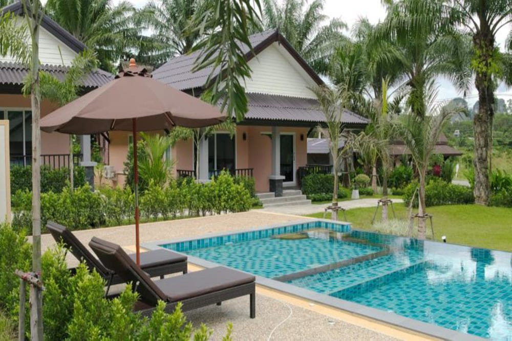 Palm Kiri Resort