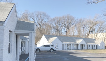 Photo for Ramsey Inn & Suites in Ramsey, New Jersey
