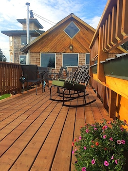Raven House Alaska Lodging & Vacation Rentals (670485) photo