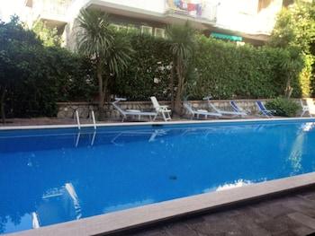 泳池旅館套房飯店