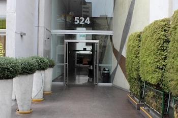 米拉弗洛雷斯套房公寓飯店