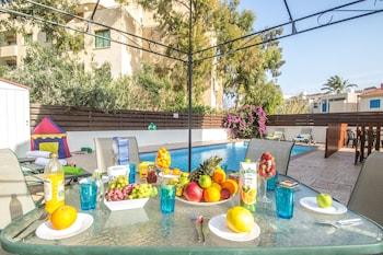 Photo for Pernera Sea Holiday Villa in Protaras