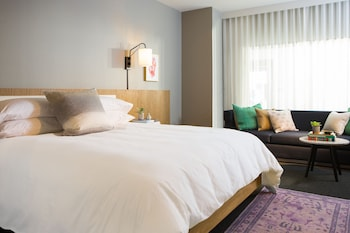 Boutique Hotels near Dolby Theater in Hollywood from $172/night