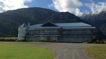 Hukawai Lodge in Franz Josef Glacier