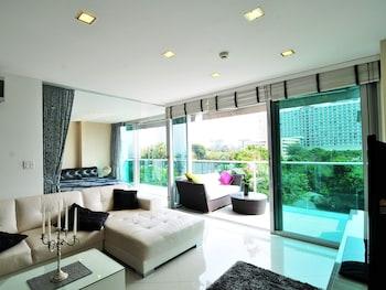 Photo for Laguna Heights 7 Dream Beach Apartment in Pattaya
