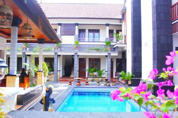Photo for NIDA Rooms Legian Beach Pengera Cikan at New Asta Graha Homestay in Kedonganan