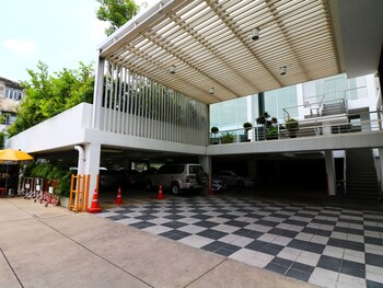 Photo for NIDA Rooms Phra Khanong Culture in Bangkok