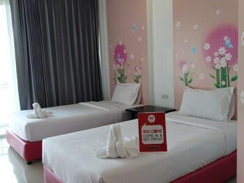 便利馬克罕泰 216 號尼達飯店