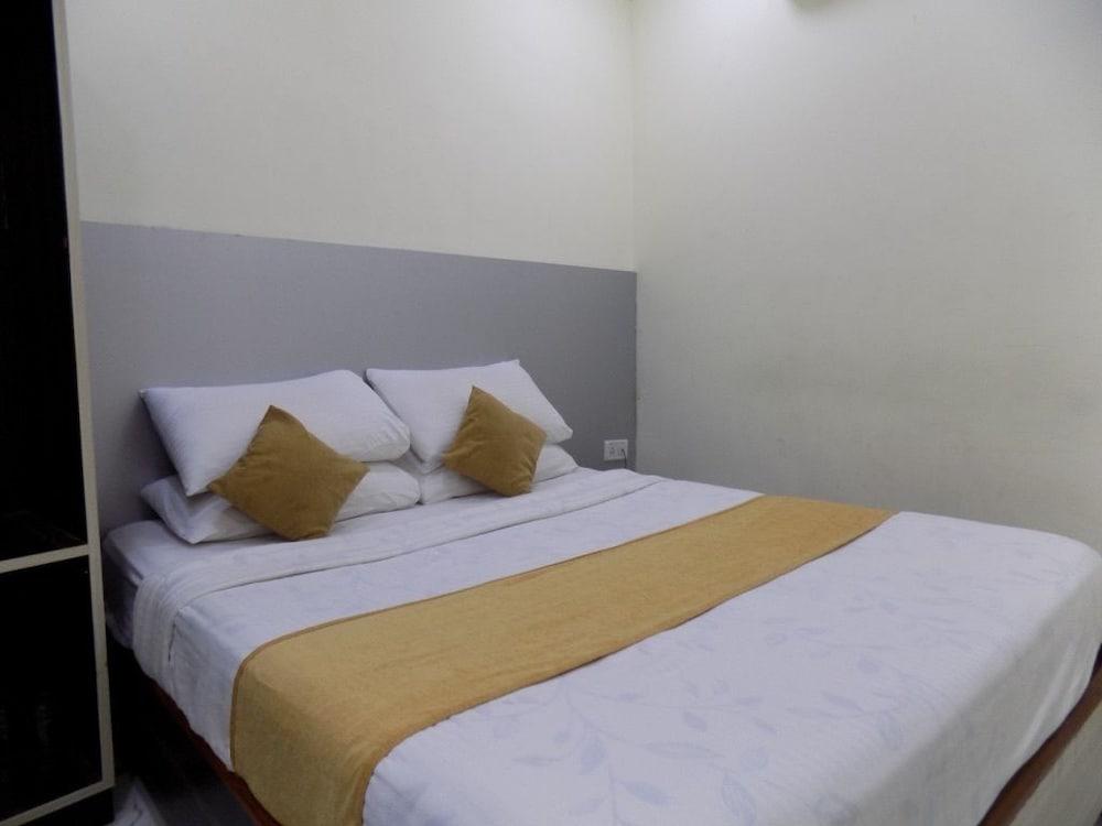 Maha Residency