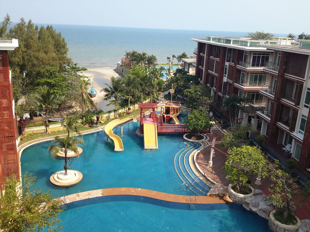 Beachfront Family Penthouse Hua Hin