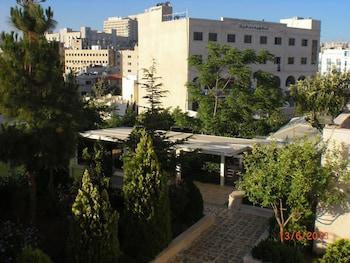 Private sale: save 30% Almohandes Hotel apartment Amman (New Mexico 685954) photo