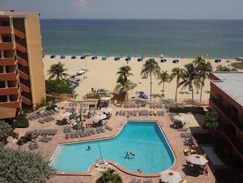 Lighthouse Cove Resort in Pompano Beach, Florida