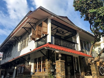 Photo for Park Avenue Guesthouse 2443 in Pasay