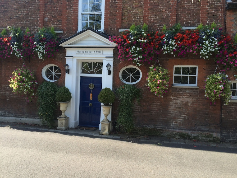 Harmondsworth Hall Guest House Heathrow