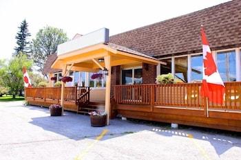 Mazinaw Residence Inn