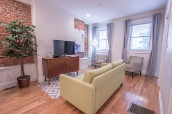 Artsy 3BR in Allston by Sonder in Boston, Massachusetts